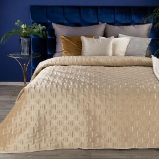 Jemný béžový zamatový prehoz na posteľ so vzorom