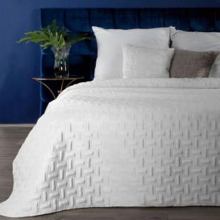Jemný biely zamatový prehoz na posteľ so vzorom