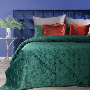 Zelený zamatový prehoz na posteľ s prešívaným vzorom