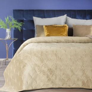 Béžový zamatový prehoz na posteľ s prešívaným vzorom