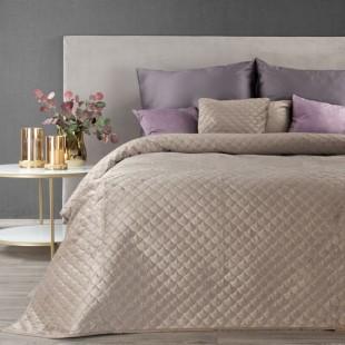 Béžový zamatový prehoz na posteľ s polkruhmi