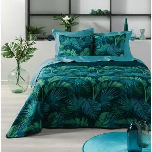 Tmavozelený prehoz na posteľ s obliečkami a rastlinným motívom