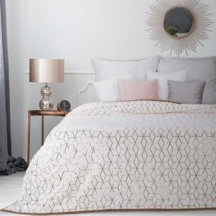 Biely dekoračný prehoz na posteľ s geometrickým vzorom