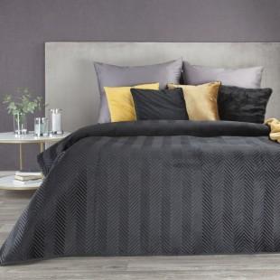 Tmavosivý zamatový prehoz na posteľ s cik-cak prešívaním