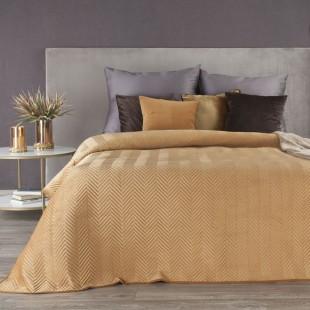 Svetlohnedý zamatový prehoz na posteľ s cik-cak prešívaním