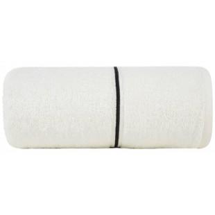 Krémový bambusový ručník zdobený čiernym pásikom