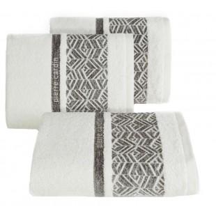 Krémový kúpeľňový ručník s hnedým vzorovaným pásom