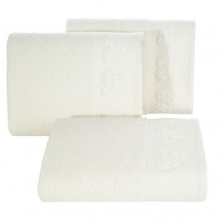 Krémový jednofarebný ručník so srdiečkami