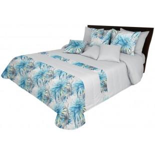 Svetlosivý prehoz na posteľ s modrým rastlinným motívom