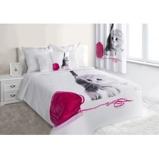 Biely prešívaný prehoz na posteľ s mačičkou a kĺbkom