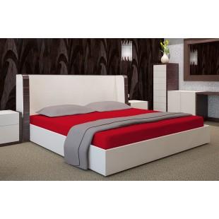 Červené bavlnené prestieradlo na posteľ s gumičkou