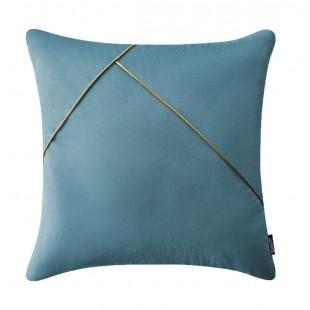 Modrá dekoračná obliečka na vankúš s jemnou zlatou aplikáciou