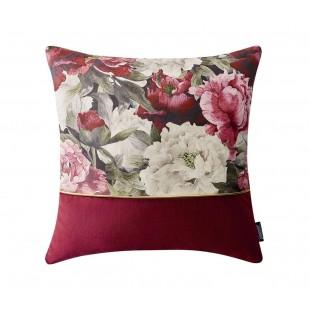 Bordová dekoračná obliečka s kvetinovým motívom