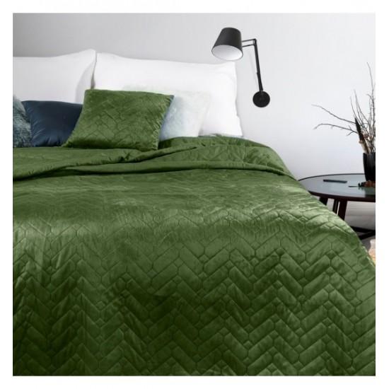 Mäkký zelený prehoz na posteľ s cik-cak prešívaním