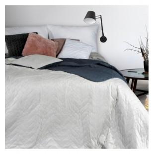 Sivý mäkký obojstranný prehoz na posteľ s prešívaním