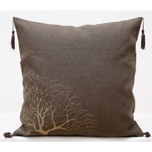 Obliečka na vankúš hnedá s motívom stromu a strapčekmi