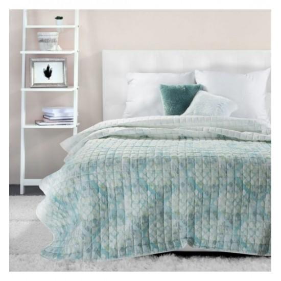Vzorovaný mentolovo modrý vzorovaný prehoz na posteľ