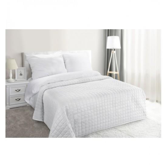 Biely elegantný prehoz na posteľ so striebornými trblietkami