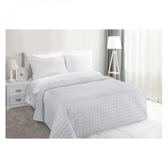 Strieborný elegantný prehoz na posteľ s trblietkami