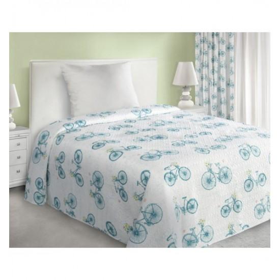 Prešívaný biely prehoz na posteľ s tyrkysovým vzorom retro bicykla
