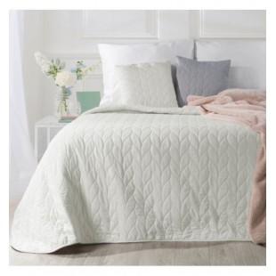 Krémový prehoz na posteľ prešitý trblietavou niťou