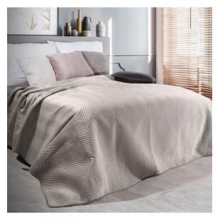 Béžový zamatový prehoz na posteľ s cik-cak prešívaním