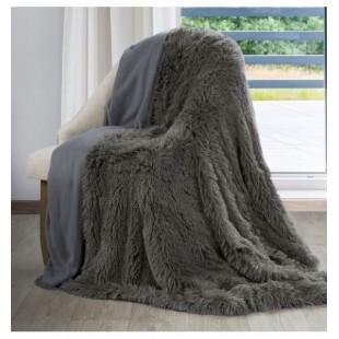 Sivá príjemná chlpatá deka