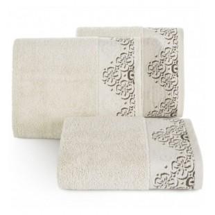 Béžový bavlnený uterák s výšivkou kvetov