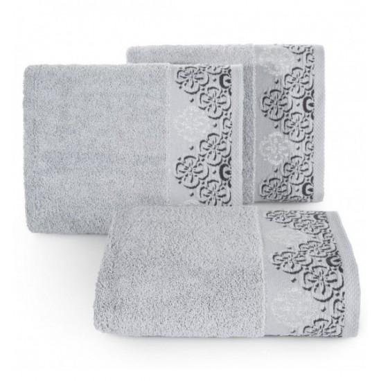 Elegantný strieborný bavlnený uterák s výšivkou kvetov