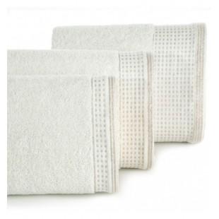 Krémový uterák z bavlny so striebornou ozdobnou časťou