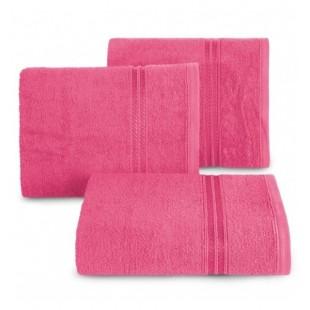Jednofarebný ružový bavlnený uterák s ozdobným dvojitým pruhom