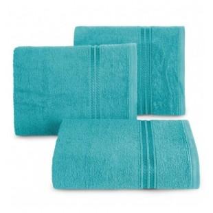 Modrý bavlnený uterák s ozdobným pruhom