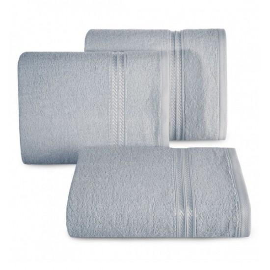 Bavlnený uterák s ozdobným pruhom v striebornej farbe