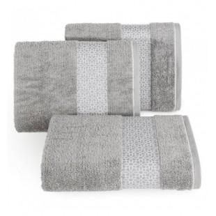 Strieborný elegantný bavlnený uterák s ozdobným vzorom