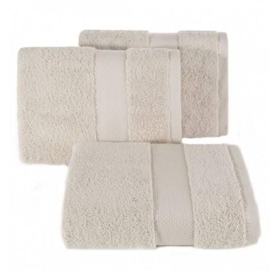 Béžový bavlnený uterák do kúpeľne s ozdobným pruhom