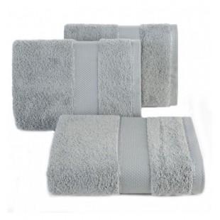 Sivý bavlnený uterák do kúpeľne
