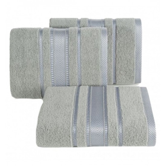 Luxusný sivý bavlnený uterák s ozdobnými časťami