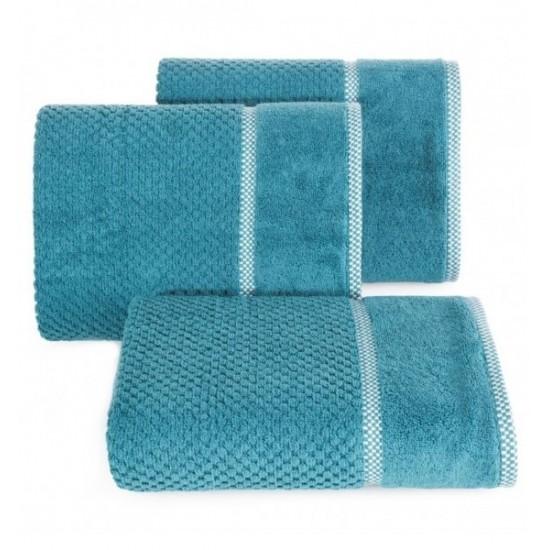 Elegantný tyrkysový bavlnený uterák s vyšívanou aplikáciou