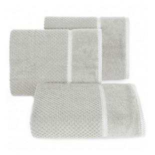Elegantný sivý bavlnený uterák s vyšívanou aplikáciou