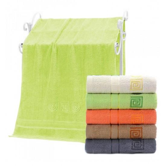 Svetlozelený bavlnený uterák s ozdobným vzorom
