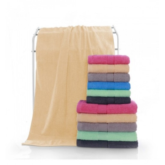 Žlto krémový uterák s ozdobným vzorom z česanej bavlny