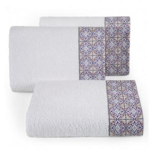 Biely bavlnený uterák s portugalským vzorom kachličiek