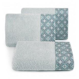 Strieborný bavlnený uterák s portugalským vzorom kachličiek