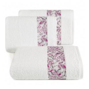 Elegantný biely bavlnený uterák s ozdobným pásom