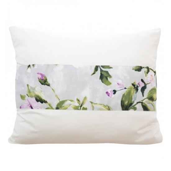 Krémová elegantná obliečka na vankúš so sivým kvetinovým ozdobným pruhom