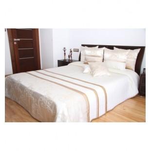 Elegantný krémový prešívaný prehoz na posteľ s karamelovými ornamentami
