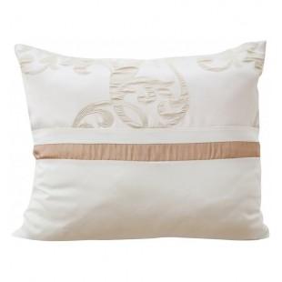 Dekoračná krémová obliečka na vankúš s karamelovým ornamentom