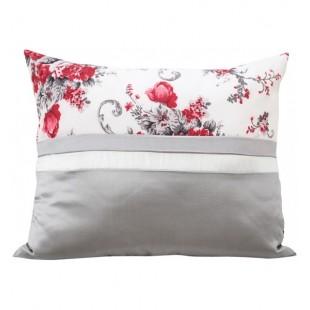 Sivo krémová elegantná dekoračná obliečka na vankúšik s ružami malinovej farby