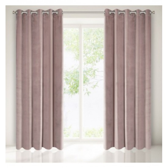 Mäkký záves na okno v púdrovo ružovej farbe