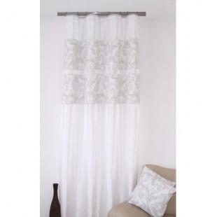 Elegantný biely záves na okno so sivým vzorom